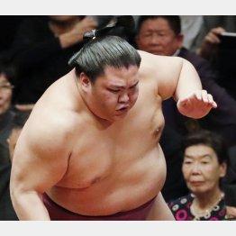 本来、押し相撲の力士(C)日刊ゲンダイ
