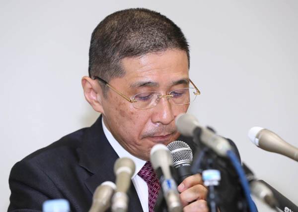詰め腹を切らされるか(西川社長)/(C)日刊ゲンダイ