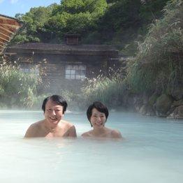 乳頭温泉郷の鶴の湯は日本トップクラスの混浴露天風呂
