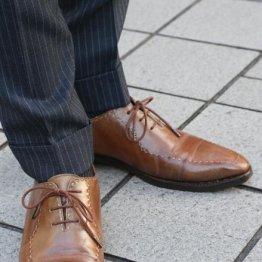 良質な靴は安価なスーツでも高級スーツに見せてくれる