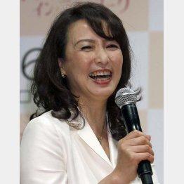 講演会を数多くこなす河野景子さん(C)日刊ゲンダイ