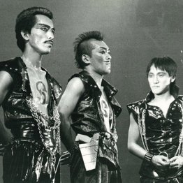 劇団☆新感線の舞台(83年) 提供:小学館