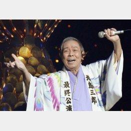 「北島三郎最終公演」(博多座、15年)/(C)共同通信社