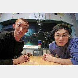 タイ(写真右)と佐伯元輝(C)日刊ゲンダイ