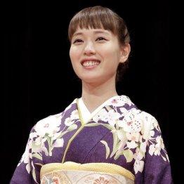 """30歳でNHK朝ドラ主演 戸田恵梨香ついに""""後輩""""に追いついた"""