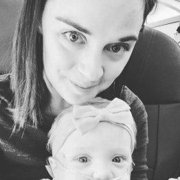 肺病の赤ん坊に客が1stクラスを 母親の感謝投稿に圧倒共感