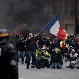 大規模デモで政府に直接訴えるフランスとおとなしい日本