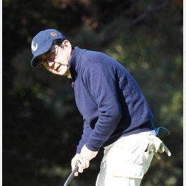 年末年始は今回もゴルフ三昧(C)日刊ゲンダイ