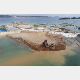 土砂が投入された辺野古の海(C)共同通信社