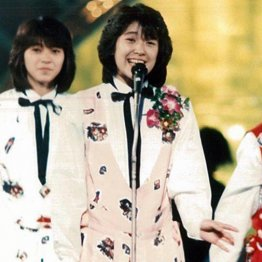 ソロデビュー…愛川欣也さんからの花束に感情の糸が切れた