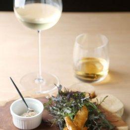 合う酒=白ワイン