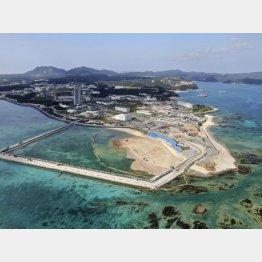 埋め立て工事が進められる沖縄県名護市の辺野古沿岸部(C)共同通信社