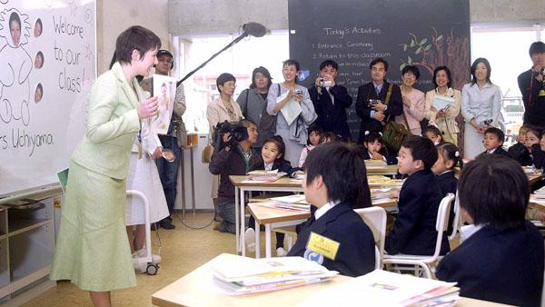 英語で授業も増加中(C)共同通信社