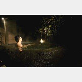 湯の温度も絶妙(C)日刊ゲンダイ