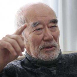 中村敦夫氏が警鐘 「安倍政権は高速道を逆走している」