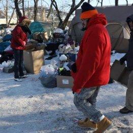 寒波で焼け出されたホームレスに宿泊費寄付 謎の人物は誰