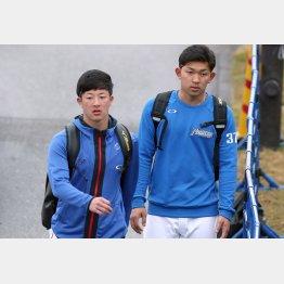 常に一緒。吉田と柿木(右)/(C)日刊ゲンダイ