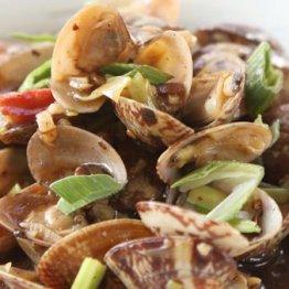 葉ニンニクとアサリの豆腐炒め