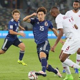 アジアカップ決勝で奮闘するFW大迫