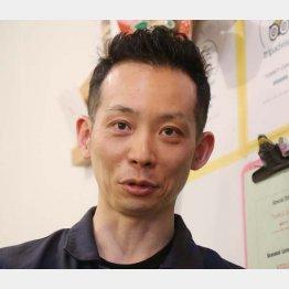 バリスタで社長の川崎清さん(C)日刊ゲンダイ