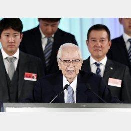 渡辺恒雄代表取締役主筆(代表撮影)