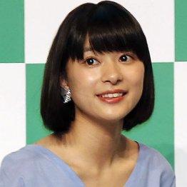 ブロンドヘアーの岡村麻純さん