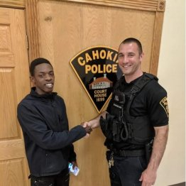 無免許運転で就職面接へ…男性を止めた警官の驚くべき行動