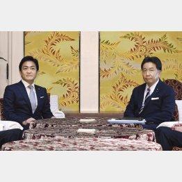 立憲民主党・枝野代表(右)と国民民主党・玉木代表(C)共同通信社
