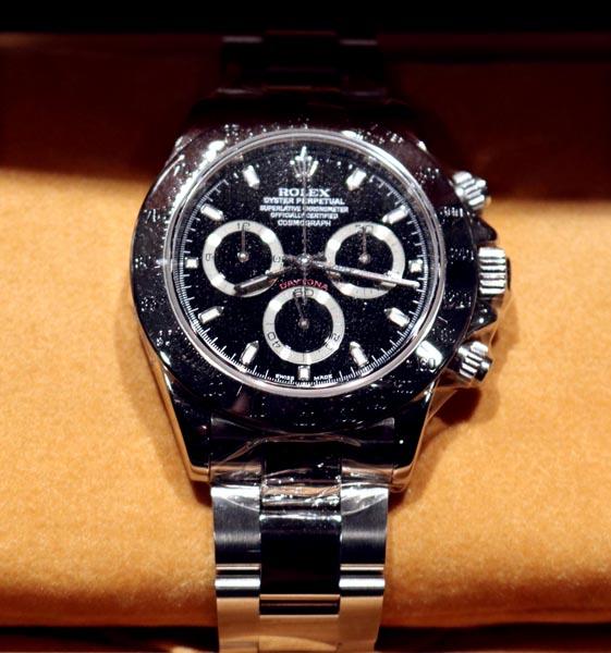 more photos 11094 4d5a6 中古で高値取引…ロレックスの腕時計はなぜ価値が下がらず|日刊 ...