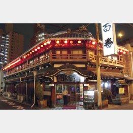 大正時代に遊郭として建てられた大阪・飛田新地の割烹料亭「鯛よし百番」(C)共同通信社