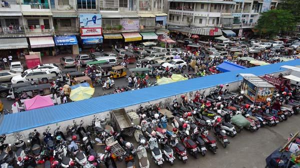 GDPがベトナムの55%しかないカンボジア(C)日刊ゲンダイ