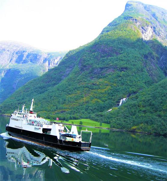 ノルウェー西部にある「ソグネフィヨルド」/(撮影・歩りえこ)