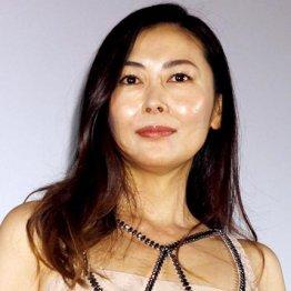 """過去の不倫ドラマは大コケ…中山美穂""""浮気妻""""挑戦の期待度"""