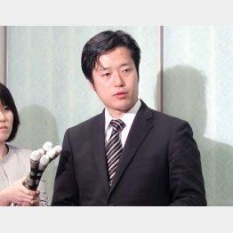 北方領土の元島民に対する不適切な発言の撤回を表明した日本維新の会の丸山穂高衆院議員(C)共同通信社
