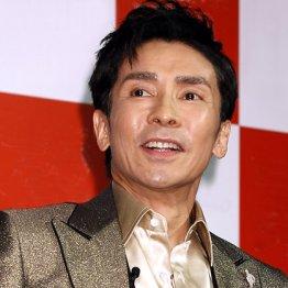 デビュー48年の郷ひろみはアイドル歌手として令和も進化