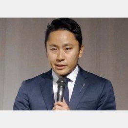 活動方針について語る日本フェンシング協会の太田雄貴会長(C)共同通信社