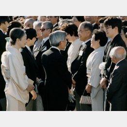 1995年も出席した羽生善治九段(右から2番目)(C)共同通信社