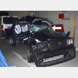 ベンツに激突された5人が乗っていたタクシー(C)共同通信社
