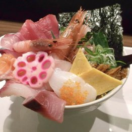 WADATSUMI(難波)自慢の海鮮丼10種類と洒落なガリチュー