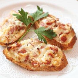 【クロスティーニ】肉とチーズのベストマッチ