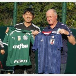 前ブラジル代表監督のスコラーリ氏(右)と森保一監督(写真)元川悦子