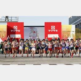 実業団陸上のビッグイベントは元日恒例の全日本駅伝(C)共同通信社