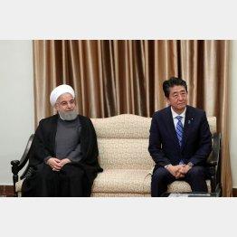 ハメネイ師と安倍首相(C)ロイター