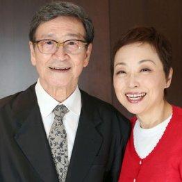 音楽プロデューサーの酒井政利氏とクミコ