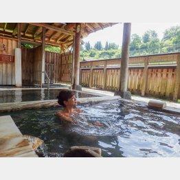 松之山温泉は「日本三大薬湯」のひとつ(提供写真)