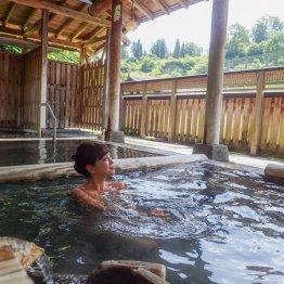 新潟県 松之山温泉「ひなの宿ちとせ」日本三大薬湯に癒やされる