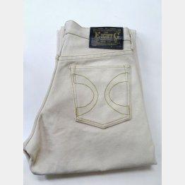 帆布で縫われたホワイトジーンズは観賞用限定で販売されている(C)日刊ゲンダイ