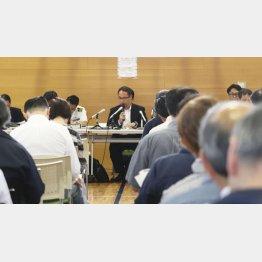 6月、秋田市で開かれた「イージス・アショア」配備を巡る住民説明会/(C)共同通信社
