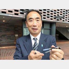 「法廷が長引いて万年筆2本のインクが切れた」と籠池泰典元理事長(撮影)相澤英樹