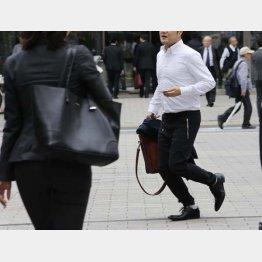 実態に近いのは「中央値」、18年調査で平均年収は423万円(C)日刊ゲンダイ